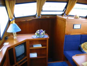 Noblese 38 Venus - Hausboot Urlaub bei City Reisebüro Hell